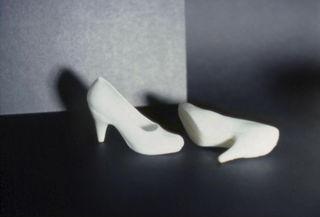 Whiteshoes_simmons