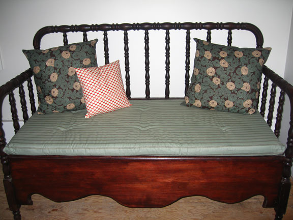 Bench_pillows