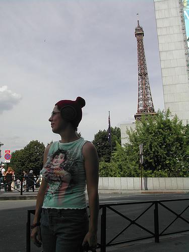 Terra_hat_paris_2